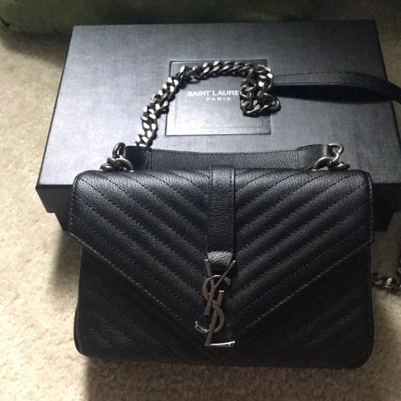 57da1bdfa368 YSL v flap small bag black. M 5b97e1efaa87700f9227ea52
